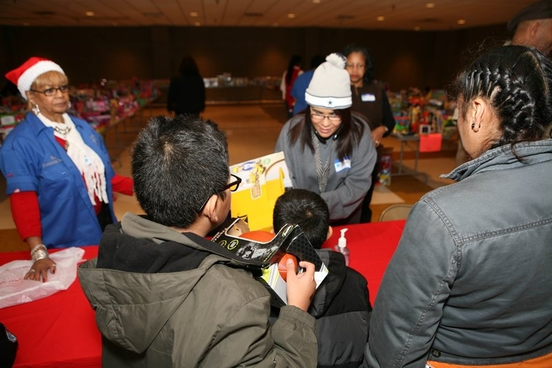 MWPHGLOTX Toy Giveaway 2014  (97)